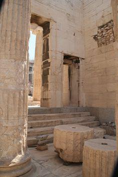 Propíleos Acrópolis Atenas                                                                                                                                                      Más