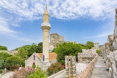 Castelo de Bodrum Cn Tower, Building, Travel, Road Maps, Castle, Construction, Trips, Traveling, Tourism