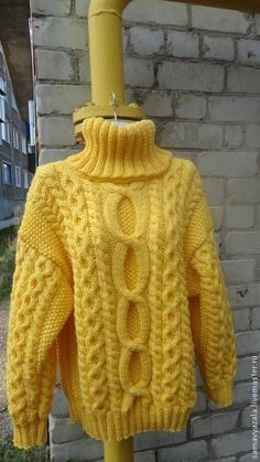 Winter Sweater Outfits, Winter Sweaters, Cable Knit Sweaters, Aran Knitting Patterns, Knitting Designs, Black Turtleneck, Beige Sweater, Kids Poncho, Knit Fashion