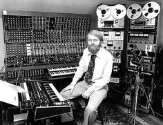 Moog synthesizer Pictures, Moog synthesizer Image, Science&Technology ... Moog Synthesizer, Recorder Music, Progressive Rock, Dj Music, Poster Pictures, Sweet Life, Electronic Music, Historical Photos, Science And Technology