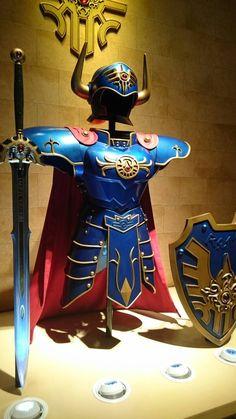 狩野英孝 @kano9x ドラゴンクエストミュージアムのセレモニーに参加!カッコよかった!!1日中、楽しめるよっ!ロトの鎧すごい迫力!!!