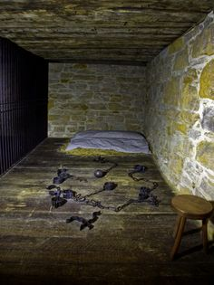 carthage jail, holding cell