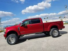 2017 Ford Super Duty equipped with a Fabtech Radius Arm System New Trucks, Lifted Trucks, Ford Trucks, Pickup Trucks, Radius Arm, Powerstroke Diesel, Ford Super Duty, Truck Wheels, Twin Turbo