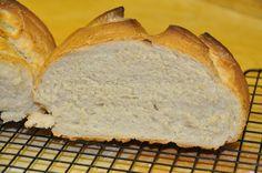 Pane a lievitazione veloce  http://vivalafocaccia.com/2011/01/11/pane-casereccio-veloce-semplice-casa/