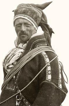 Circa1930. Samisk mann fra Norge, Mikkel Mikkelsen Sara fra Kautokeino.