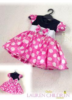 Vestido Minnie Mouse <br> <br># Vestidos acima de 6 anos possui acréscimo de valores.