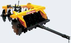 Grades Aradoras - GTA - Grade Aradora Super Pesada Controle Remoto - Vigas tubulares - Mancais de rolamento cônicos a graxa - Engate de arrasto - Opcional: sistema de abertura mecânico
