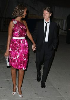 Iman Photos - (LtoR) Model Iman and musician David Bowie arrive at the Vanity Fair party for the 2008 Tribeca Film Festival held at the State Supreme Courthouse on April 2008 in New York City. - Vanity Fair Celebrates The 2008 Tribeca Film Festival Iman And David Bowie, David Bowie Starman, Iman Bowie, David Bowie Interview, Tribeca Film Festival, Teenage Daughters, Hot Couples, Celebrity Couples, Photos