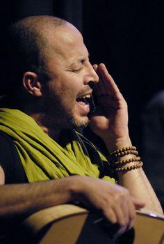 Dhafer Youssef (via http://www.danielschnyder.com/presskit_6.php)