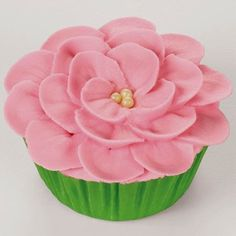 Cake Decorating - Piping a Flower on a Cupcake