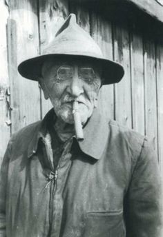 Josef Váchal Cigar Smoking, Large Photos, Facade House, Ex Libris, Macabre, Printmaking, Riding Helmets, Portrait, Artist