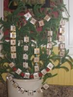 these are my original scrabble ornaments/garlands.  go to wwwl.washingtonpost.com and click like on my pictures.  you will have to sign into their website to vote.  there are cute crafts featured, so check them out!