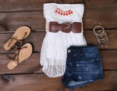 How to wear printed shorts by Deb Shops #outfits