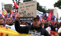 Protesto de professores no Paraná: Milhares protestam pela saída do secretário de Segurança do Paraná   Brasil   EL PAÍS Brasil