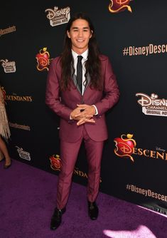 Boo Boo Stewart Photos - Celebrities Attend the Premiere of Disney's 'Descendants' - Zimbio