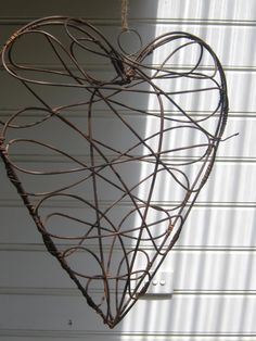 wire heart - this would be realy cute wrapped with white lights