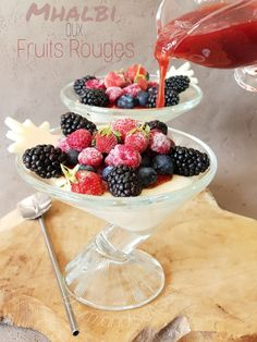 Mhalbi aux Fruits Rouges Fruit Bio, Weight Loss Detox, Fruit Salad, Health Tips, Raspberry, Pudding, Healthy, Ethnic Recipes, Muffins