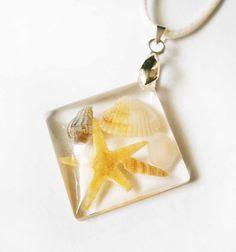 Morské mušle - štvorcový prívesok zo živice - striebro 925