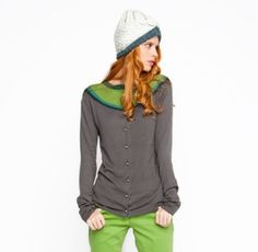 Reversible cardigan. One sweater, two different looks. LOVE!