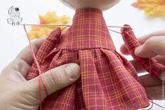 DIY con el paso a paso para hacer una linda Muñeca de otoño. Fuente:http://www.livemaster.ru/ Muñeca de tela Geisha MaekoPatrón de muñeca conejita de telaDIY Muñeca Ángel de NavidadGuirnalda inspirada en las GorjussMuñeca de tela Caperucita Roja – DIY y patronesMuñeca de tela acostada DIYMateriales para pintar las caras de las muñecas de telaComo crear tus …