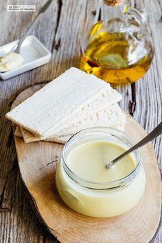 Receta de miel mostaza. Receta con fotografías de cómo hacerla y recomendaciones de cómo servirla. Recetas de salsas y aderezos