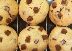 Amerikai csokis keksz | GretaNagy receptjeCookpad receptek Fudge, Muffin, Paleo, Food And Drink, Sweets, Cookies, Dinner, Breakfast, Anna