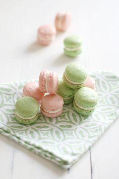 Food: Eleven Prettily Delicious Macarons To Bake  (via Call me cupcake!: Lime & lemon macarons!)