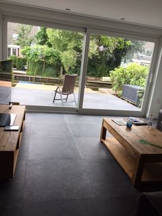 kronos blautech hardsteen tegels cm Best Picture For floor tile living room For Your Taste You are looking for something, and it is going to tell you exactly what you are looking for, and you di Granite Flooring, Grey Flooring, Floors, Style At Home, Tile To Wood Transition, Grey Floor Tiles, Tiny Living Rooms, Fireplace Garden, Home Room Design