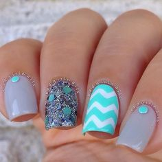 Photo taken by A Nail Addict Named Sonia - Love Nails, How To Do Nails, Pretty Nails, Fun Nails, Gray Nails, Best Nail Polish Brands, Nail Polish Designs, Nail Art Designs, Creative Nail Designs