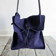 Specialty Dry Goods: Jessica Travelers to Mint - Mill Valley Spring Handbags, Purses And Handbags, Sewing Leather, Leather Craft, Leather Bags Handmade, Handmade Bags, Dry Goods, Fabric Bags, Lv Bags
