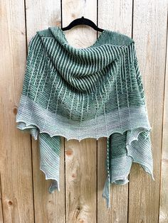 Inky by Susanne Sommer, knitted by colorsdontgo | malabrigo Sock in Fresco y Seco and Water Green