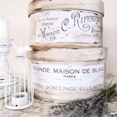 Functionality and aesthetics perfectly combined into some beautifully painted and distressed DIY Antique French Hat Boxes, perfect for decorating any spaces French Hat, French Vintage, Vintage Images, Vintage Hat Boxes, French Typography, Decoupage, Recycled Tin Cans, Graphics Fairy, Free Graphics