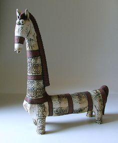 37 ideas for wood sculpture design Pottery Animals, Ceramic Animals, Clay Animals, Pottery Sculpture, Pottery Art, Ceramic Sculptures, Horse Sculpture, Animal Sculptures, Clay Projects
