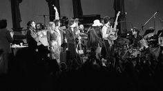The finale of the Last Waltz with everyone on stage at the Last Waltz show in San Francisco. Photo: Gary Fong, The Chronicle