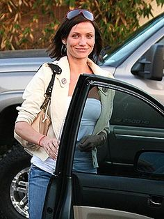 Cameron Diaz (spotted in Mike & Chris)  http://www.ortutraders.com/mike-chris/