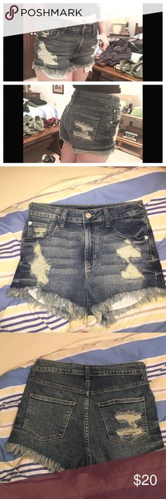 ☀️High rise distressed shorts. Brand new, never worn. Only washed once. These are super soft and stretchy and the perfect festival short. The tag inside says small which I interpret best fits a size 26-28. (2,4&6). (not brandy, just same style.) ☺️ Make and offer! Prices are always negotiable! ☺️ Brandy Melville Shorts Jean Shorts