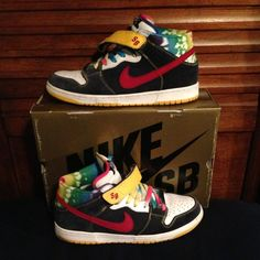differently 62868 a982b Nike SB dunk mid
