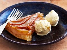 Prepare a deliciously sweet apple and pear tart in no time at all - wonderfully syrupy and buttery, perfect for a cool winter's evening.