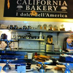 by @msilviareis - #californiabakerydesign Milao , maravilhoso