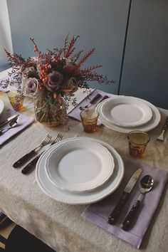 thanksgiving tabletop in subtle lilac + orange // coco+kelley