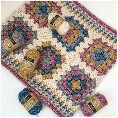 Granny Square Crochet Pattern, Crochet Squares, Crochet Blanket Patterns, Double Crochet, Single Crochet, Crochet Stitches, Granny Squares, Scarf Patterns, Granny Square Tutorial
