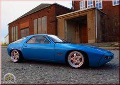 Coilovers+Porsche+928   Porsche 928 blue jantes porsche cup logo Autoart 1/18