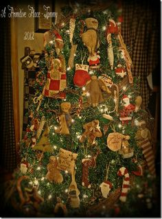 a primitive place tammy i love the tree decorated with primitive decorations from her - Primitive Christmas Tree Decorations