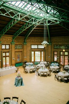 Chicago Wedding Venue: Cafe Brauer at the Lincoln Park Zoo, Chicago Photo: Kina Wicks