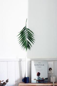 Palm hanging.