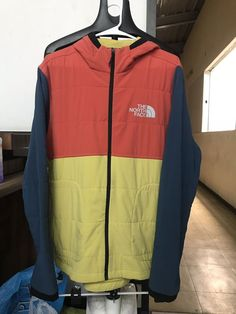 8ac6e7e2abe8d The North Face Men s Tech Stretch Soft Shell Windwall Jacket Size M   fashion  clothing