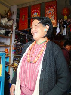 Tawang lady wearing traditional headgear - Photographed by T. Make My Trip, Trip Tour, Arunachal Pradesh, Travel Trip, Incredible India, Headgear, Buddhism, Counseling, Giveaways