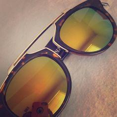 Retro sunglasses  PRICE FIRM New Mirrored vintage sunglasses. UV protected Accessories Sunglasses