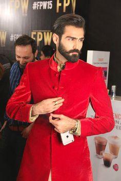 Hasnain Lehri backstage goodness at Fashion... - High Fashion Pakistan