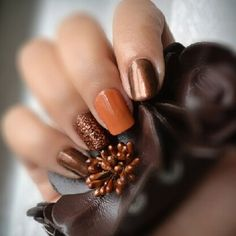 Cute Autumn Nail Designs Youll Want to Try ★ See more: http://glaminati.com/autumn-nail-designs/